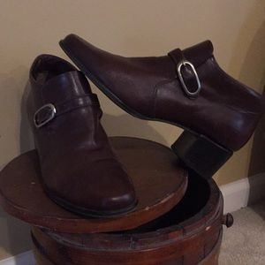Bandolino Brown Leather Bootie/Shoes EUC
